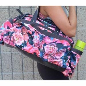 Lululemon On The Fly Duffle Bag